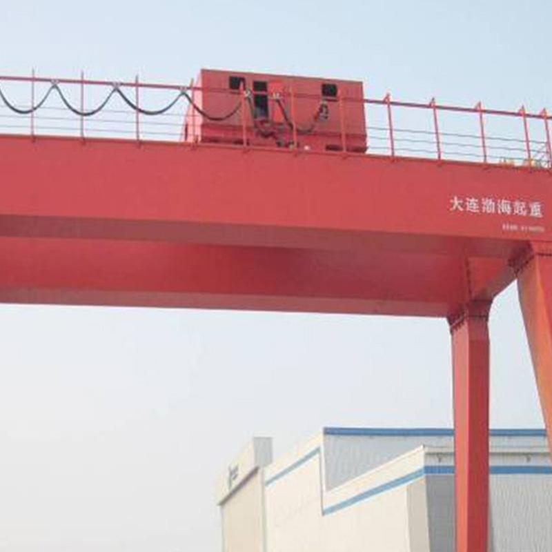 一重集团天津重工320/50t-30m起重机使用现场